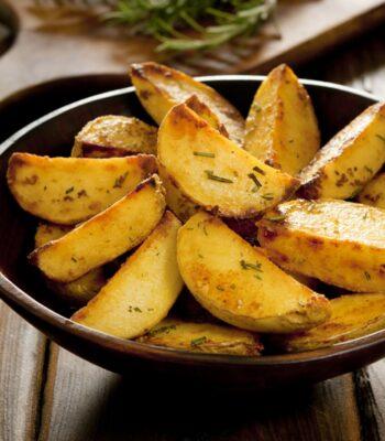 cartofii casei cu rozmarin